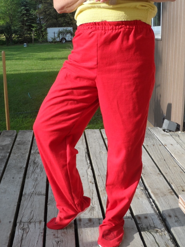 3714c4714d8e red-flannel-factory-red-flannel-footed-pajama-pants.jpg